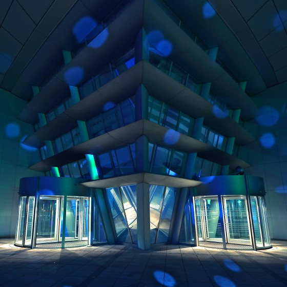 lightpainting-bremen-waterfront-walther-pro-pl-80-futuristic-building