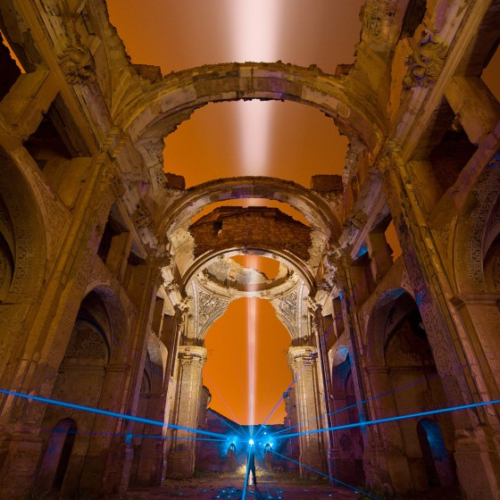 belchite-walther-pro-xl3000r-spain-old-church-ruin-light-trail-in-the-sky-lightpainting