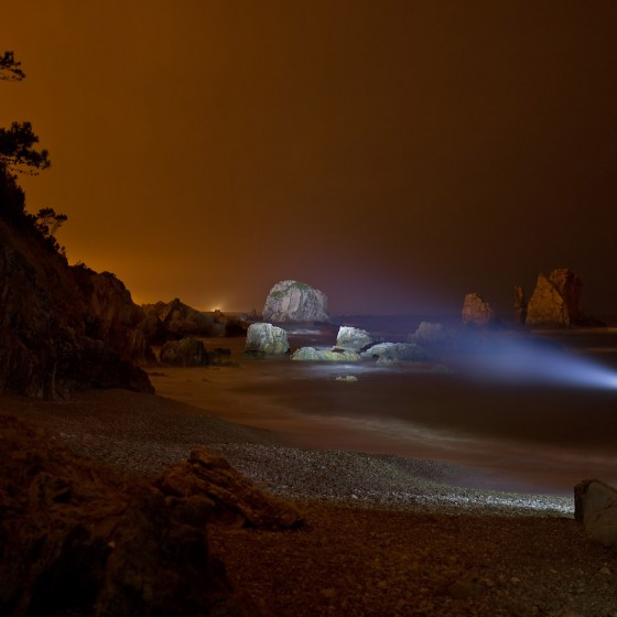 lightpainting-spain-tour-exploration-playa-de-silencio-walther-pro-xl1000-long-light-trail