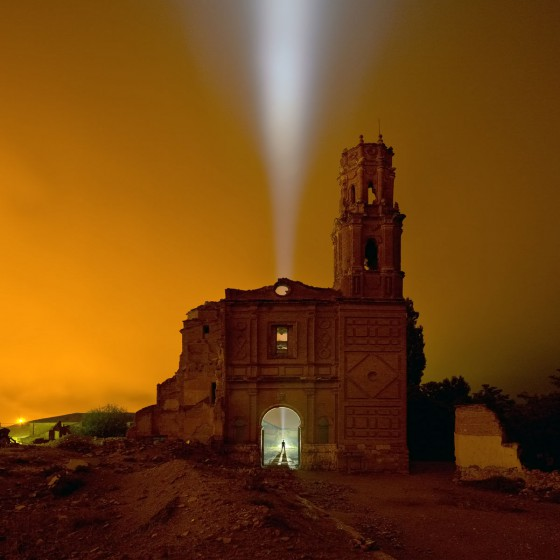 Lightpainting-photography-belchite-spain-walther-pro-xl3000r-old-church-ruin