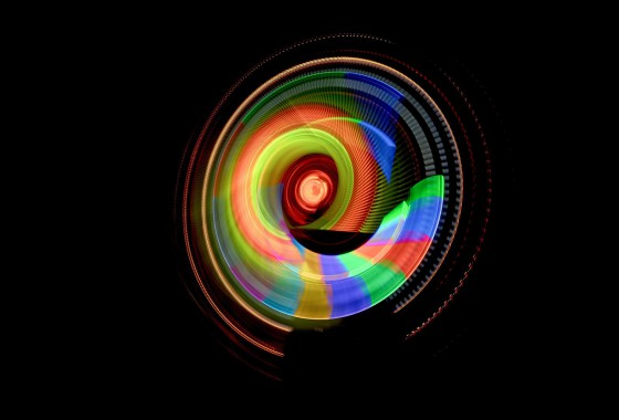 Light_Painting_Photography_Motus_Serie_Generation_von_JanLeonardo_Leuchtende_Kreise