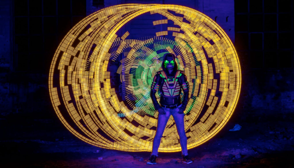 Light Painting - Workshop Pixelgang Woman and orb - by JanLeonardo Light Art Photography