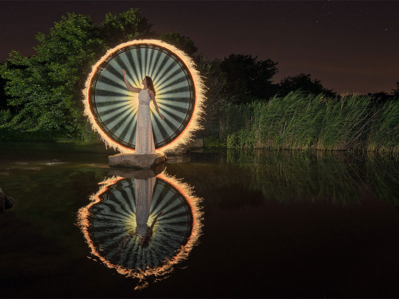 Light Painting - Fashion Model und Natur - by JanLeonardo Light Art Photography